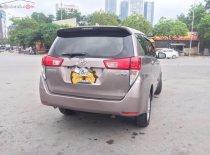 Cần bán xe Toyota Innova E sản xuất năm 2017, màu bạc, xe gia đình giá 705 triệu tại Hà Nội