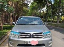 Cần bán xe Toyota Fortuner năm 2010, màu bạc   giá 610 triệu tại Tp.HCM