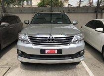 Bán Toyota Fortuner 2.7V (4x2) AT đời 2013, màu bạc, số tự động  giá 720 triệu tại Tp.HCM