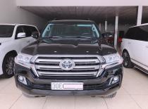 Cần bán Toyota Land Cruiser VX 4.6 đời 2018, màu đen, xe nhập, như mới giá 3 tỷ 900 tr tại Hà Nội