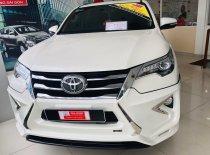 Cần bán gấp Toyota Fortuner 2.7V đời 2017, màu trắng, số tự động giá 1 tỷ 240 tr tại Tp.HCM