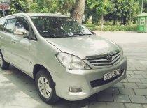 Cần bán gấp Toyota Innova đời 2010, màu bạc chính chủ, giá 300tr giá 300 triệu tại Hà Nội