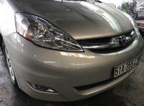 Cần bán Toyota Sienna năm 2007, màu xám (ghi) mới 95%, giá chỉ 550 triệu đồng giá 550 triệu tại Tp.HCM