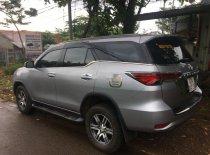 Cần bán lại xe Toyota Fortuner sản xuất 2017, màu bạc giá 920 triệu tại Bình Phước