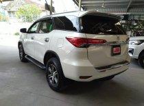 Cần bán Toyota Fortuner V 4x2 năm 2017, màu trắng, nhập khẩu chính hãng giá 1 tỷ 110 tr tại Tp.HCM
