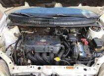 Cần bán Toyota Vios đời 2004, màu trắng giá 220 triệu tại Bình Phước