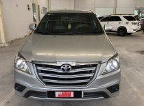 Bán xe Innova E sx 2015 màu bạc, giá giảm 40tr, vay ngân hàng  giá 590 triệu tại Tp.HCM