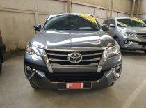 Bán xe Toyota Fortuner 2.7 V(4x2) đời 2019, màu xám, xe nhập giá 1 tỷ 90 tr tại Tp.HCM