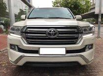 Bán Toyota Landcruiser VX 4.6V8 sản xuất 2016 đăng ký tên cty, màu trắng, nội thất kem giá 3 tỷ 580 tr tại Hà Nội