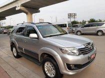 Cần bán Toyota Fortuner G đời 2012, màu bạc, số sàn   giá 680 triệu tại Tp.HCM