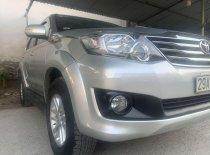 Bán xe Toyota Fortuner đời 2014, màu bạc số sàn giá cạnh tranh xe nguyên bản giá 705 triệu tại Hà Nội