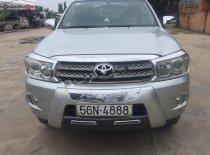 Cần bán Toyota Fortuner 2.5G năm 2009, màu bạc, xe gia đình giá 585 triệu tại Bình Thuận