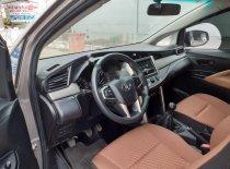 Cần bán gấp Toyota Innova sản xuất 2017, màu nâu xe còn mới nguyên giá 625 triệu tại Long An