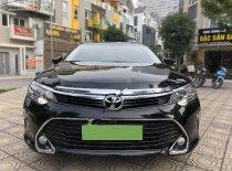 Cần bán gấp Toyota Camry 2.0E năm 2018, màu đen, giá 909tr giá 909 triệu tại Hà Nội