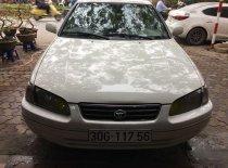 Cần bán Toyota Camry năm 2001, màu trắng giá 250 triệu tại Hà Nội