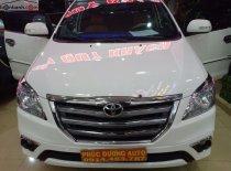 Cần bán Toyota Innova 2.0E sản xuất 2015, màu trắng, chính chủ giá 520 triệu tại Đắk Lắk