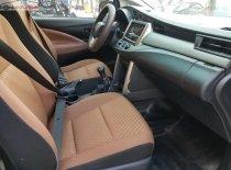 Cần bán xe Toyota Innova 2.0E đời 2016, màu bạc số sàn, 570 triệu giá 570 triệu tại Đà Nẵng