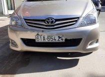 Cần bán xe Toyota Innova G sản xuất 2010, màu vàng giá 378 triệu tại Bình Dương