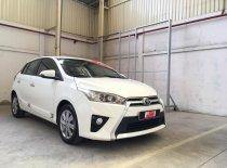 Cần bán Toyota Yaris 1.3G đời 2016, màu trắng, xe nhập giá 600 triệu tại Tp.HCM