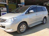 Cần bán Toyota Innova sản xuất 2010, xe đẹp giá 320 triệu tại Hòa Bình