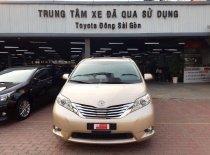 Bán Toyota Sienna năm 2011, màu vàng, xe nhập giá 1 tỷ 850 tr tại Tp.HCM