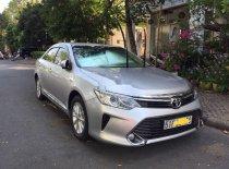 Cần bán lại xe Toyota Camry 2.0E 2015, màu bạc, xe nhập giá 785 triệu tại Tp.HCM