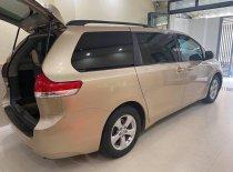Bán Toyota Sienna sản xuất năm 2011, xe chính chủ giá 1 tỷ 150 tr tại Tp.HCM