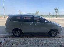 Cần bán gấp Toyota Innova đời 2010, màu bạc, xe gia đình  giá 340 triệu tại Quảng Ngãi