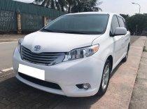 Cần bán Toyota Sienna đời 2011, màu trắng giá 866 triệu tại Tp.HCM