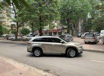 Bán nhanh chiếc Toyota Highlander LE 2.7 AT sản xuất 2015, màu kem be nhập khẩu giá 1 tỷ 550 tr tại Hà Nội