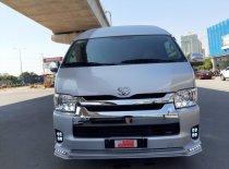 Bán Toyota Hiace Limosine đời 2018, màu bạc giá 1 tỷ 300 tr tại Tp.HCM