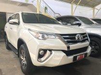 Bán xe Fortuner V nhập khẩu 2016 màu trắng, quá xá đẹp giá 930 triệu tại Tp.HCM