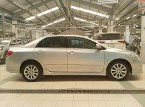 Cần bán Toyota Corolla Altis 2.0V 2010, màu bạc, chương trình KM chính hãng giảm giá đến hàng chục triệu trong tháng 6 giá 495 triệu tại Tp.HCM