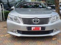 Cần bán xe Toyota Camry 2.0E đời 2013, gia đình giá rẻ giá 710 triệu tại Tp.HCM
