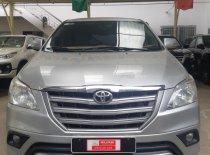 Bán xe Innova E sx 2015. Giá 520tr còn thương lượng làm giấy tờ và bảo hiểm giá 520 triệu tại Tp.HCM