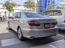 Bán xe Toyota Camry 2.0 E đời 2017, màu bạc giá Giá thỏa thuận tại Tp.HCM