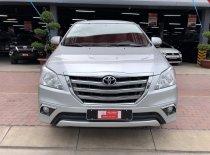 Bán xe Toyota Innova 2.0V sản xuất 2015, màu bạc, giá khuyến mãi giá 600 triệu tại Tp.HCM