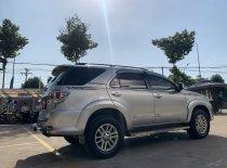 Cần bán Toyota Fortuner 2.5G đời 2014, màu bạc giá 720 triệu tại Tp.HCM