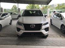 Cần bán Toyota Fortuner 2.4AT 4x2 2021, màu trắng, trả trước 216tr giá 1 tỷ 80 tr tại Tp.HCM