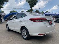 Bán ô tô Toyota Vios 1.5E đời 2019, màu trắng, giá LHTT giá 465 triệu tại Tp.HCM