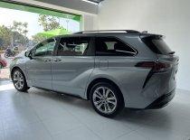 Toyota Sienna Platinum 2021, màu bạc, nhập khẩu Mỹ, option full kịch giá 4 tỷ 150 tr tại Hà Nội