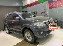 Cần bán gấp Toyota Fortuner V đời 2013, màu xám, số tự động giá 550 triệu tại Đà Nẵng