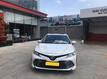 Cần bán xe Toyota Camry 2.5Q 2019 màu trắng, nhập Thái, chính hãng Toyota Sure giá 1 tỷ 240 tr tại Tp.HCM
