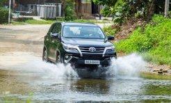 """Toyota Việt Nam khuyến mãi """"khủng"""" cho 3 mẫu xe """"hot"""" nhất nhì thị trường"""
