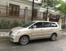 Cần bán gấp Toyota Innova E đời 2015, màu vàng